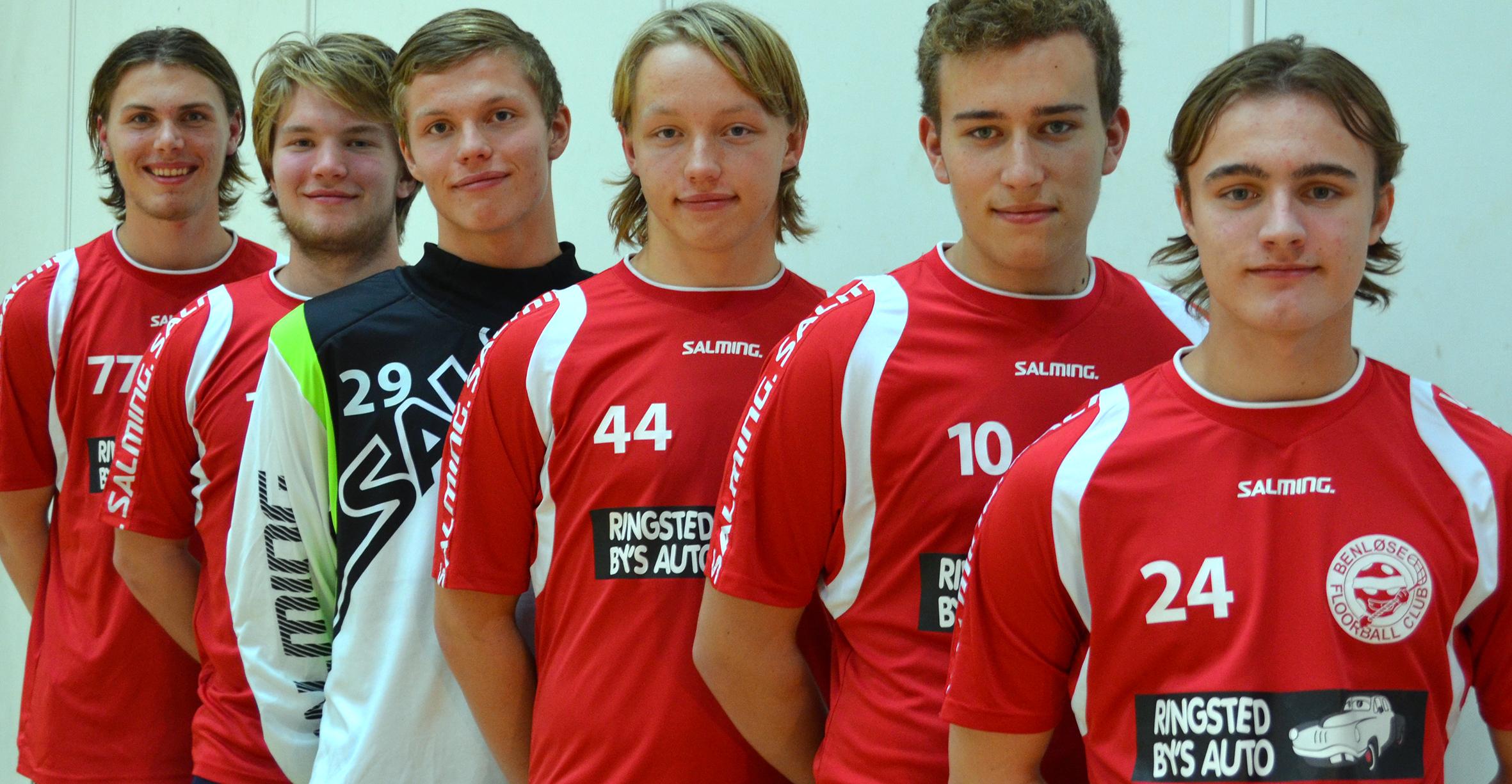 Kampen i Frederikshavn have Nikolaj Brixager (44) og Mikkel Christensen (24) i startopstillingen. Mathias Glass (77) har allerede spillet sig til en fast plads.